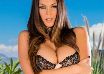 Alison Tyler Shiny Necklace