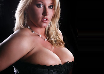 Brooke Max Nude