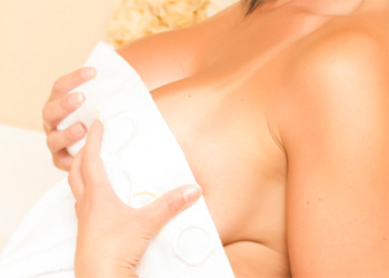 Brooklyn Avery Towel Tits