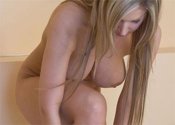 Carol Goldnerova Nude