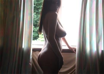 Emma Nicholls Nude