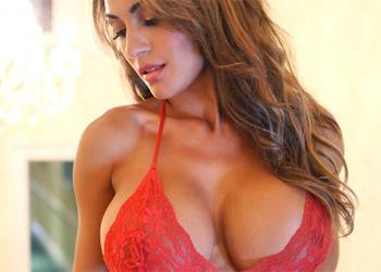Fernanda Ferrari Exotic Beauty