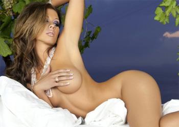 Laura Dore