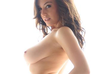 Lindsey Strutt