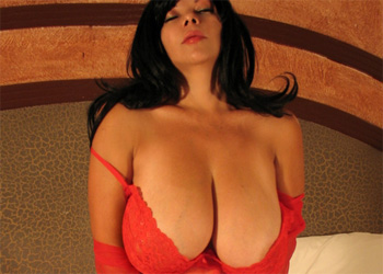 Martiza Mendez Red Hot
