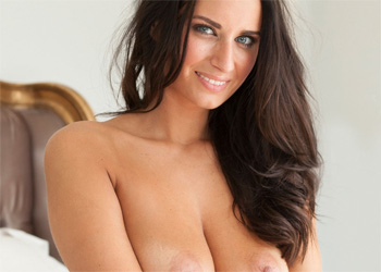 Sammy Braddy Nude In Bed