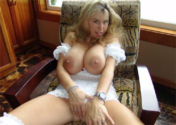 Busty Wifey